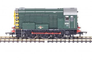 """Hornby Class 08 """"BR GREEN LIVERY"""" 3256 Diesel Electric Shunter model R2417"""