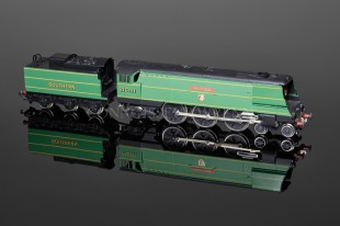 "Wrenn ""TAVISTOCK"" Streamlined Bulleid Pacific 4-6-2 LTD ED Locomotive W2407"