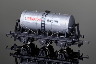 "Wrenn SIX WHEELED Tank Wagon ""GUINNESS for you"" Rolling Stock W5003"