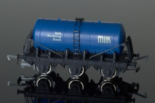 "Wrenn W5023 Tank Wagon ""MILK MARKETING BOARD"" Milk Rolling Stock"