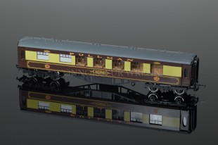 "Wrenn Brown ""PULLMAN"" 1st Class Passenger Coach ""Audrey"" model W6002/A"