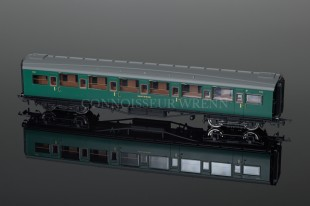 Hornby Model Railways SR Green Maunsell Corridor 1st Class Coach R4337