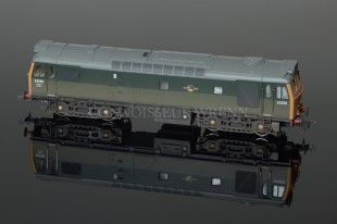 Bachmann Class 25/3 Diesel D5269 BR Green WEATHERED Locomotive 32-403