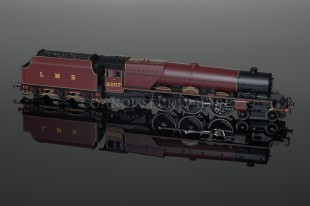 "Hornby L.M.S Maroon Princess Class ""Arthur of Connaught"" 6207 model R2225"