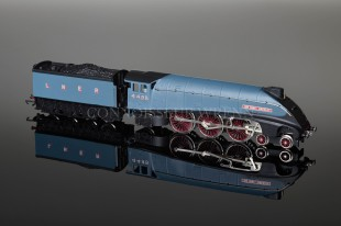 "Wrenn W2212AMG ""Sir Nigel Gresley"" 4498 LNER Garter Blue Class A4 Pacific Locomotive"
