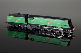 "Wrenn ""EXETER"" SR Green 21C101 4-6-2 Streamlined Bulleid Pacific W2276X/5P"