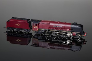 "Wrenn  ""City of London 46245"" Duchess Class 8P 4-6-2 BR Maroon Locomotive W2226"