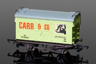 "Wrenn W5027 Mica B van ""Carr & Co Swindon"" Rolling Stock"
