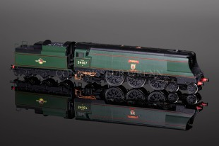 "Hornby Railways BR ""BLANDFORD FORUM"" 34107 West Country Class R2926"