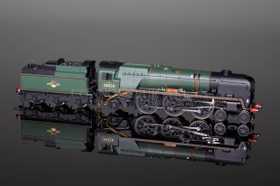 "Hornby Model Railways ""Yes Tor"" West Country Class SUPER DETAIL Locomotive R2608"