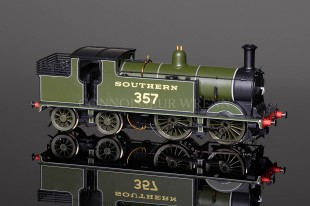Hornby DCC Southern 0-4-4 Class M7 locomotive 357 model R2503