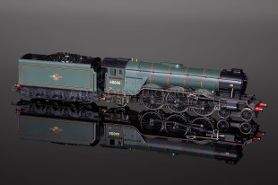 Hornby BR Green A3 LTD EDITION GOLDEN JUBILEE 60046 model R2126