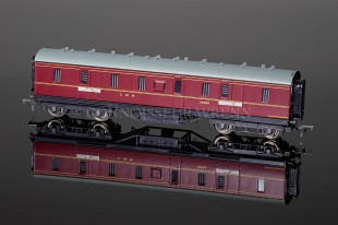 Bachmann Branch-Line Model Railways LMS Maroon 50ft Parcels Van 34-327A
