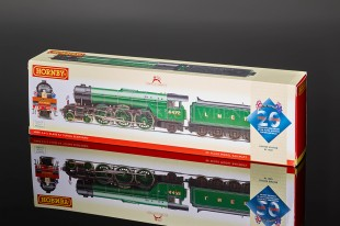 Hornby LNER APPLE GREEN A3 FLYING SCOTSMAN 4472 LTD EDITION R2687