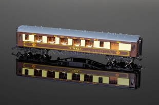 "Wrenn ""PULLMAN"" 1st Class Passenger Coach VERA WHITE TABLE model W6002/V"