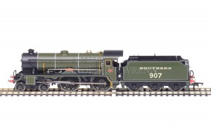 "Hornby DCC FITTED Southern Railways 4-4-0 Schools Class ""DULWICH 903 Ref:  R2843"