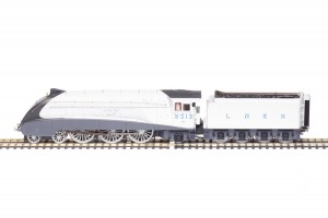 """Hornby """"SILVER JUBILEES"""" A4 Pacific Silver Fox 2512 Limited Edition R3309"""