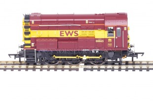 "Hornby Class 08 ""EWS LIVERY"" 08665 Diesel Electric Shunter model R2934"
