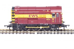 "Hornby Class 08 ""EWS LIVERY"" 08676 Diesel Electric Shunter model R2871"