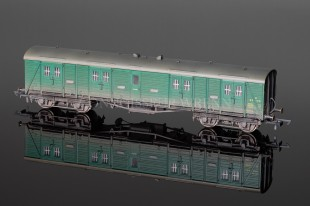 Hornby Model Railways WEATHERED BR Green BOGIE Passenger Brake R4536B