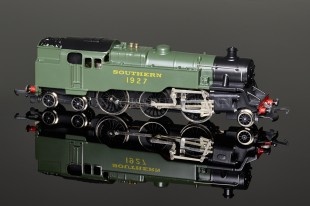 "Wrenn ""Southern Green"" Standard Tank 2-6-4t running number 1927 Locomotive W2245"
