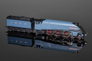 "Wrenn W2212/A ""Sir Nigel Gresley"" 4498 LNER Garter Blue Class A4 Pacific Locomotive"
