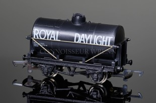 "Wrenn Tank Wagon ""ROYAL DAYLIGHT"" Oil Co. Rolling Stock W5062"