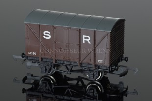 Wrenn Southern Region Brown Ventilated Van No. 41596 12T Rolling Stock W5033