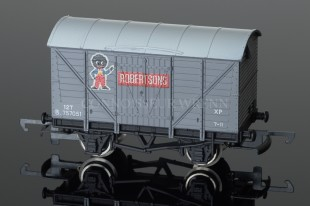 "Wrenn  Ventilated Van ""ROBERTSONS"" Grey / White 12T Rolling Stock W5010"