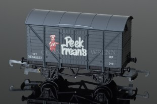 "Wrenn Ventilated Van ""Peek Frean's"" 12T No. DE545523 12T Rolling Stock W4318P/A"