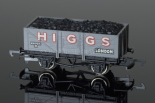 "Wrenn Coal Wagon ""HIGGS"" London alternative 12T open with load model ref. W4635P"
