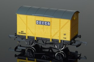 "Wrenn Ventilated Van ""DECCA"" 12T  DE545543 Rolling Stock W5054"