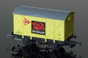 "Wrenn W5004 Ventilated Van ""DUNLOP"" 12T Alternative Rolling Stock"