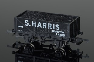 "Wrenn Coal Wagon ""S HARRIS"" London alternative 10T open with load model ref. W5008"
