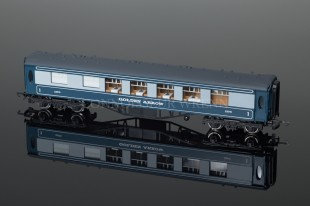 "Wrenn W6005 ""PULLMAN"" Car 1st Class Blue Golden Arrow  No.S301S"