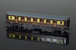 "Wrenn Brown ""PULLMAN"" Parlour Car 87 Passenger Coach W6001/A"