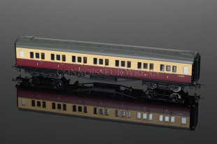 Hornby Model Railways BR Maroon/Cream Maunsell Corridor 1st Class Coach R4344B