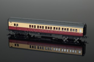 Hornby Model Railways BR Maunsell Six Compartment Brake Coach R4346C
