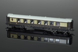"Hornby Model Railways Pullman 1st Class Parlour Car ""OCTAVIA"" R4421"
