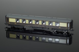 "Hornby Model Railways Pullman 3rd Class Parlour Car ""No. 66"" R4427"