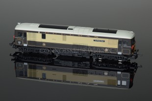 "Hornby ""PULLMAN CAR CO. Class 73 The Royal Alex R2516"