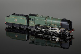 "Wrenn W2262 ""Grenadier Guardsman 46110"" Royal Scot Class 6P 4-6-0 Locomotive"