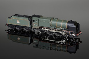 "Wrenn ""Grenadier Guardsman"" Royal Scot Class 6P 4-6-0 BR Green 46110 W2262/5P"