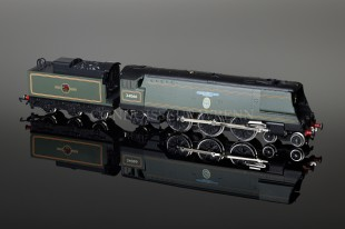 "Wrenn ""SPITFIRE"" BR Green 21C101 4-6-2 Streamlined Bulleid Pacific W2277"