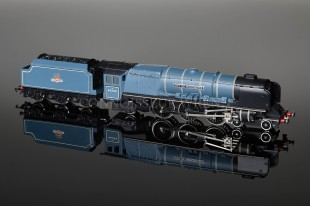 "Wrenn W2229A ""City of Manchester"" BR Blue 46246 4-6-2 Duchess Class 8P Locomotive"