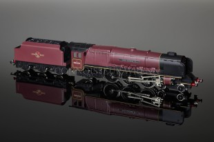 "Wrenn ""LEEDS/KING GEORGE VI"" Duchess Class 8P 4-6-2 BR RED Locomotive W2304"