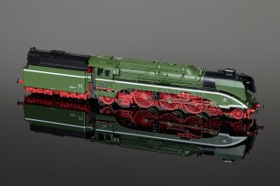 RocoTT Steam Locomotive BR 18 201 DB AG Model 36025