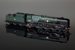 "Hornby Model Railways BR Merchant Navy Class ""Brocklebank Line"" Locomotive R2267"