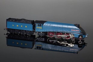 "Wrenn ""AS PRESERVED"" Sir Nigel Gresley 4498 LNER Garter Blue Class A4 W2310"