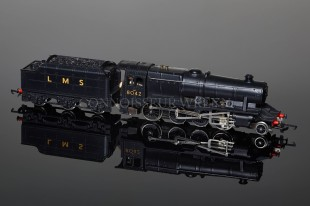 Wrenn W2225 LMS WARTIME BLACK 8042 Class 8F 2-8-0 Freight Locomotive